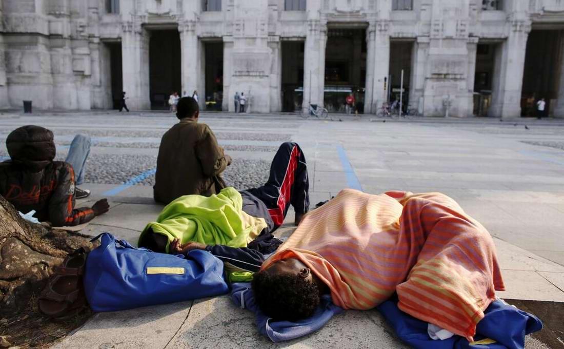Ж/д вокзал итальянского Милана превратился в бомжатник: Миграционная политика ЕС (12)