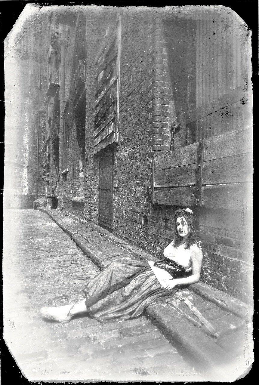 1982. Мира Фалконер на Клинк-стрит