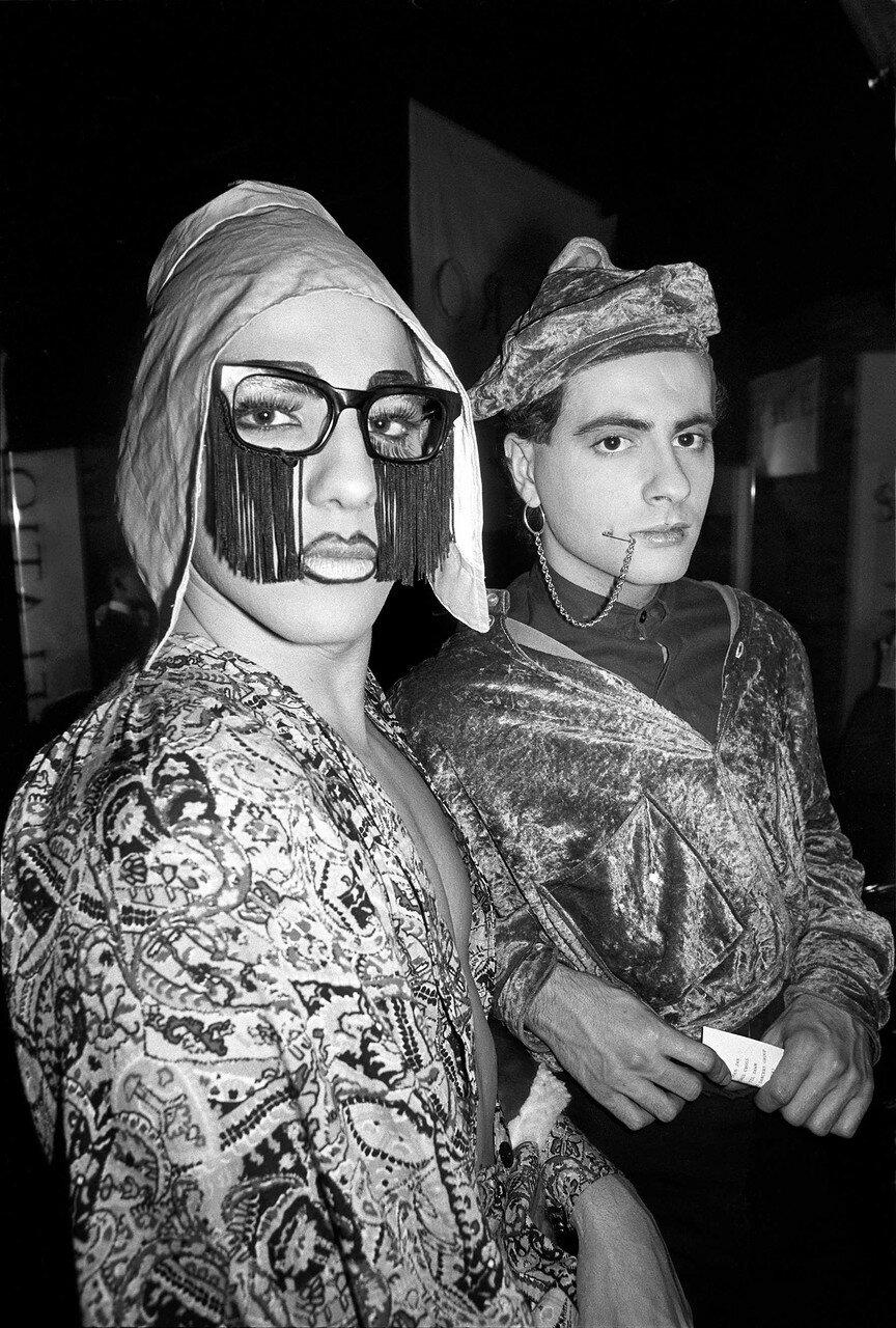 1986. Клуб  «Sacrosanct»