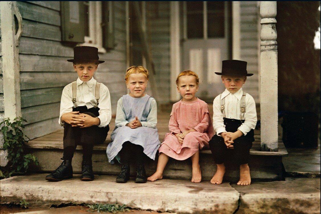 1937. США. Дети амишей из округа Ланкастер, штат Пенсильвания
