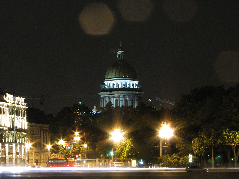 Ночной Исакиевский собор