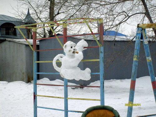 Фигуры из снега обезьяна своими руками