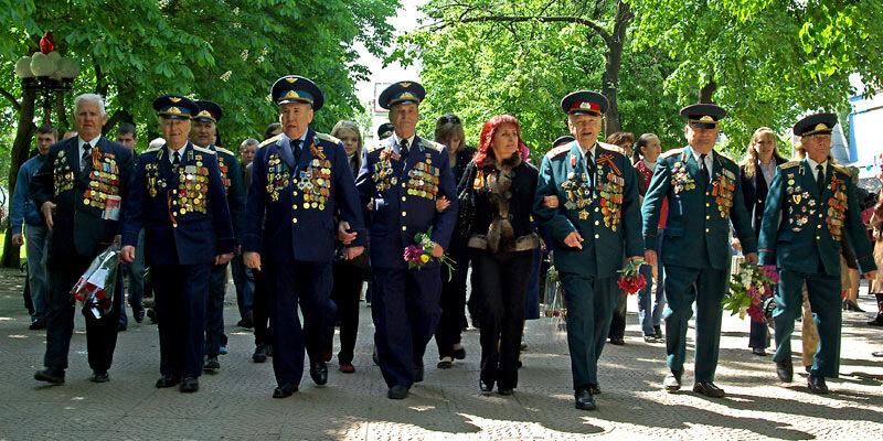 колонна ветеранов