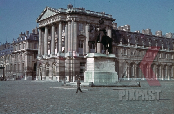 stock-photo-equestrian-statue-of-louis-xiv-in-versailles-france-1940-10941.jpg