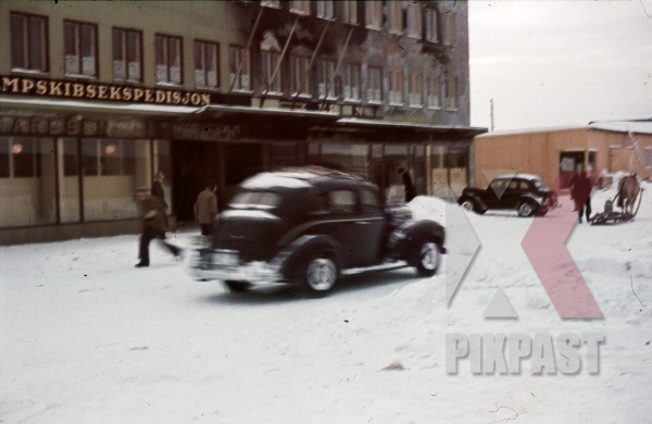 stock-photo-ww2-color-norway-1940-snow-winter-bombed-town-german-military-staff-cars-8009.jpg