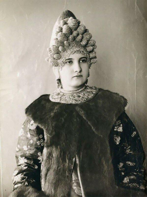 0 17a7f4 7028af27 XL - Девушки в древних славянских костюмах на старинных фотографиях