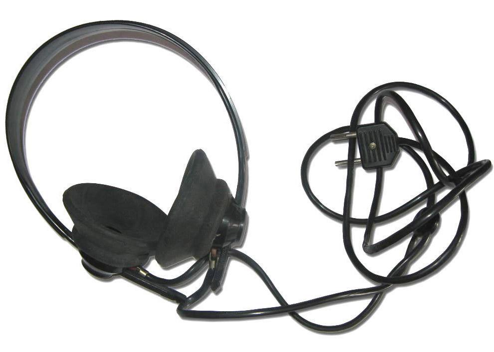 28. «Электроника МС 1208» — персональный компьютер для программирования на Basic, 1988 год.