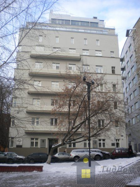 Не подарили, а нарисовал: 15-комнатные хоромы Никаса Сафронова в центре Москвы (24 фото)