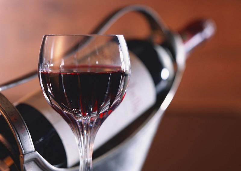 Сладкие и крепленные десертные вина: 7 дней. Высокий процент алкоголя и сахара позволяет таким винам