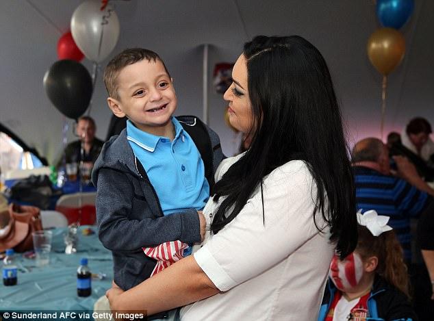 Редкий тип рака был диагностирован у мальчика в 18 месяцев. Брэдли стал талисманом клуба и другом св