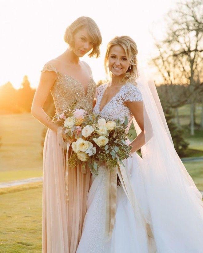 Тейлор была подружкой невесты на свадьбе своих близких друзей детства Бенжамина Ла Манна и Британи М
