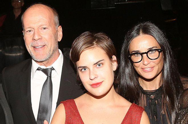 Младшая из трех дочерей актеров два года назад вышла из наркологической клиники, где лечилась от алк