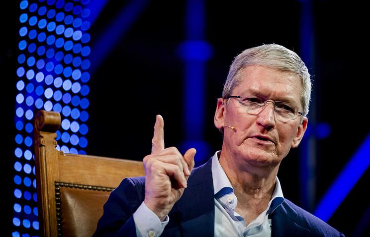 Apple урезала заработную плату Тиму Куку из-за низких характеристик