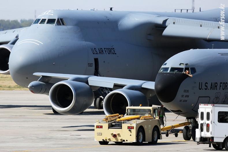Аэропорт Манас. Центр транзитных перевозок ВВС США.