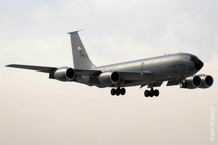 KC-135R_Stratotanker_10323_US_AIR_FORCE_1_BIS_for.JPG