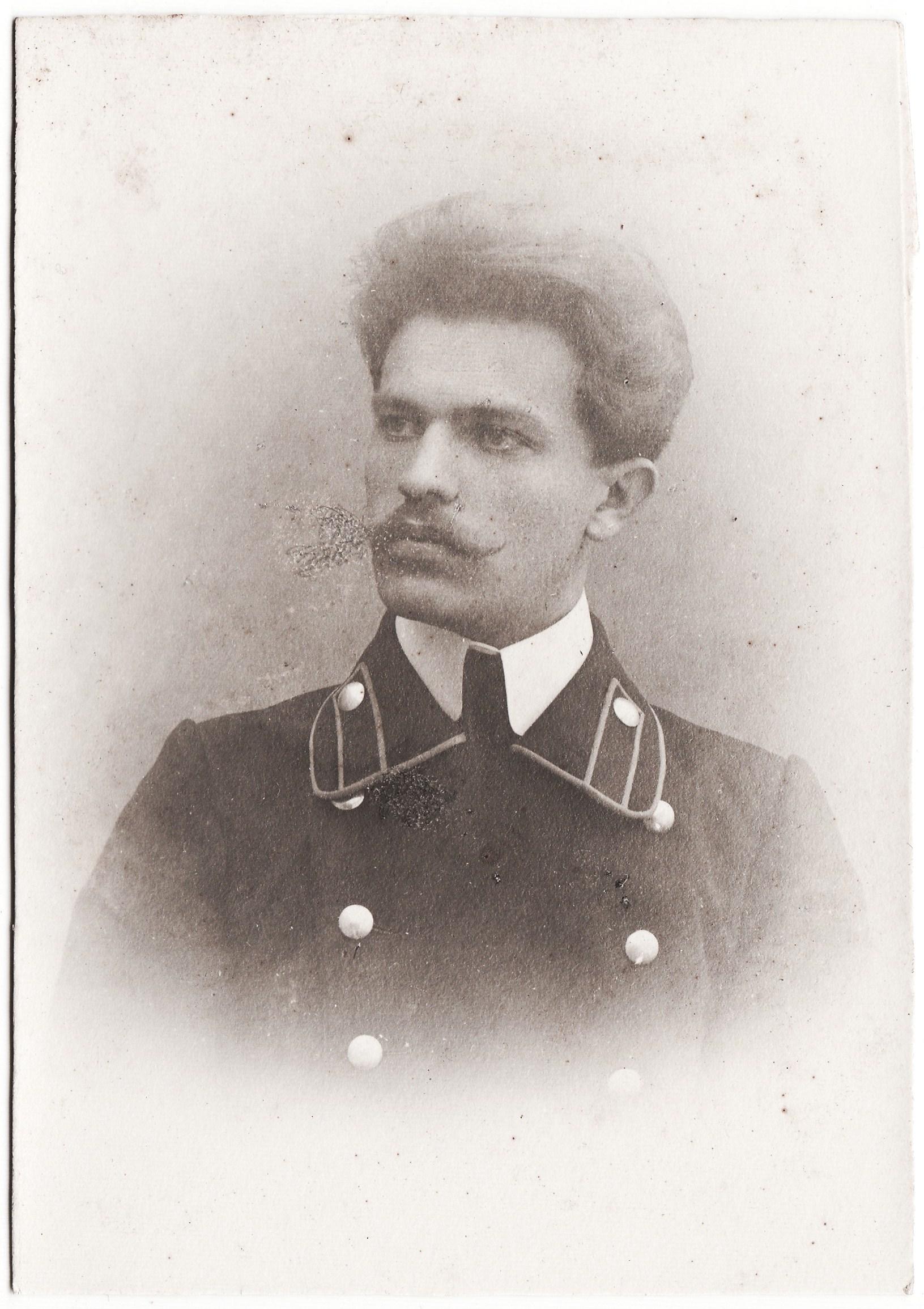 Студент Владимиров Николай. II отделение 2 разряд