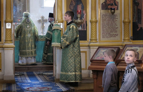 2017. Архиерейское богослужение в Авраамиево-Городецком монастыре.