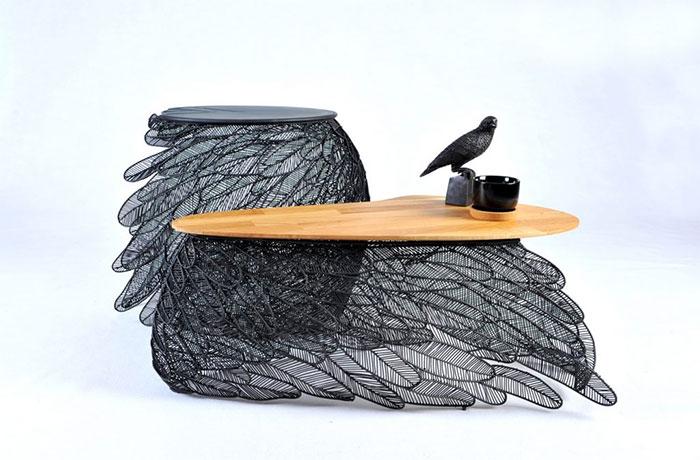 Приставной и кофейный столик от Apiwat Chitapanya-Asia Collection.