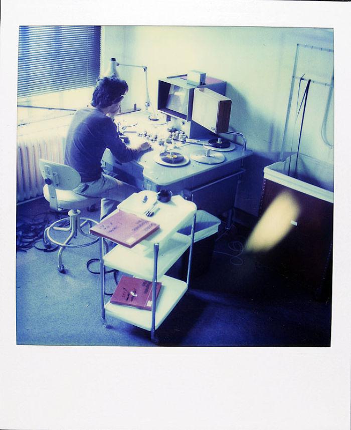 21 января 1983 года: это Джейми на работе. Он работал режиссером и монтажером музыкальных клипов на
