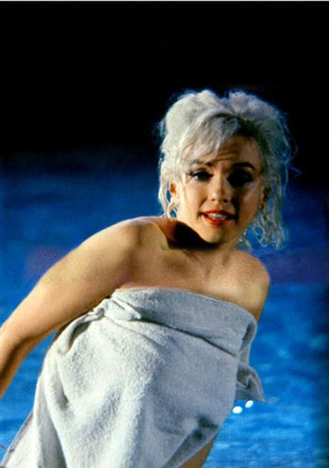 «Что-то должно случиться»: снимки Мэрилин Монро из последнего незаконченного фильма (16 фото)