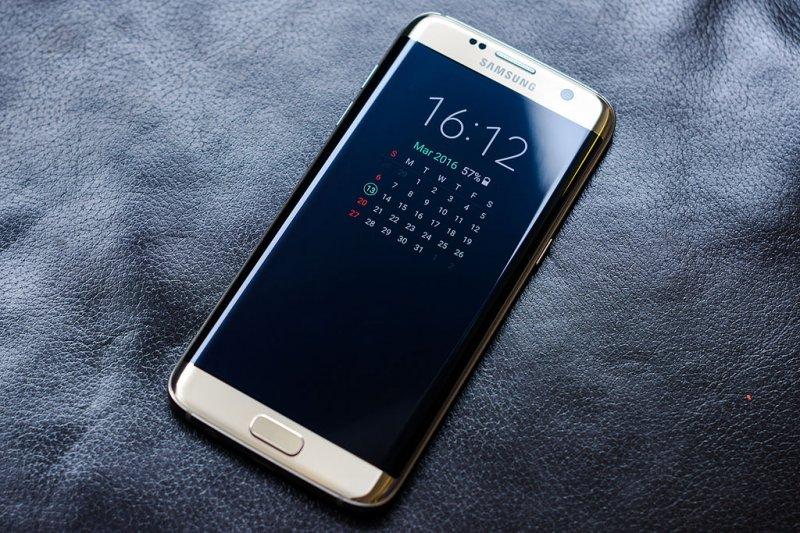 Специалисты назвали себестоимость Самсунг Galaxy S8 иiPhone 7
