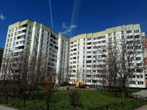 ул. Маршала Казакова 11