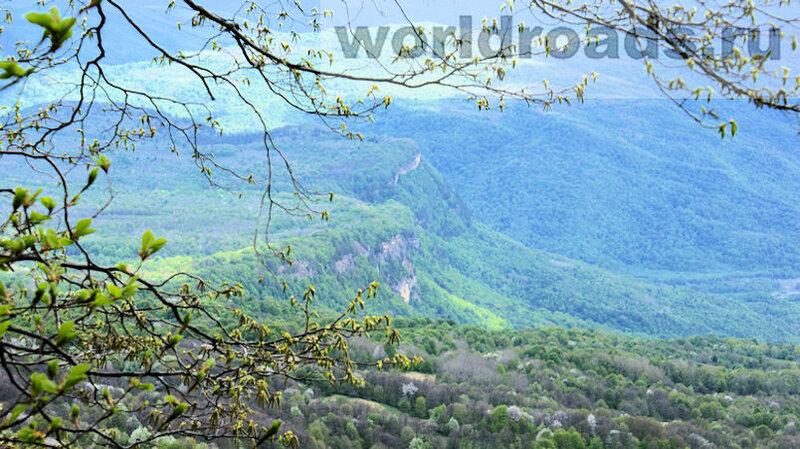 Панорама у Азишской пещеры