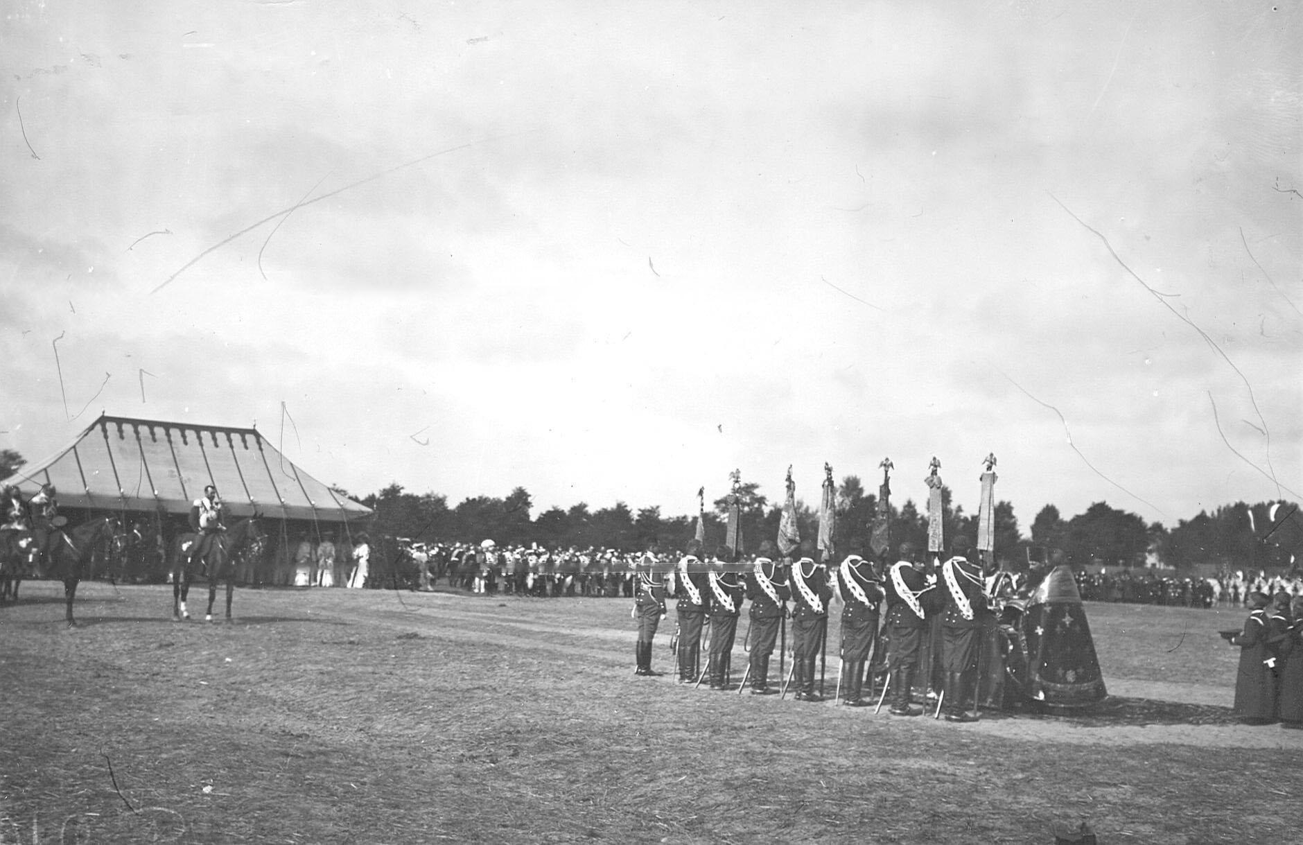 Молебен по случаю 250-летнего юбилея Уланского полка