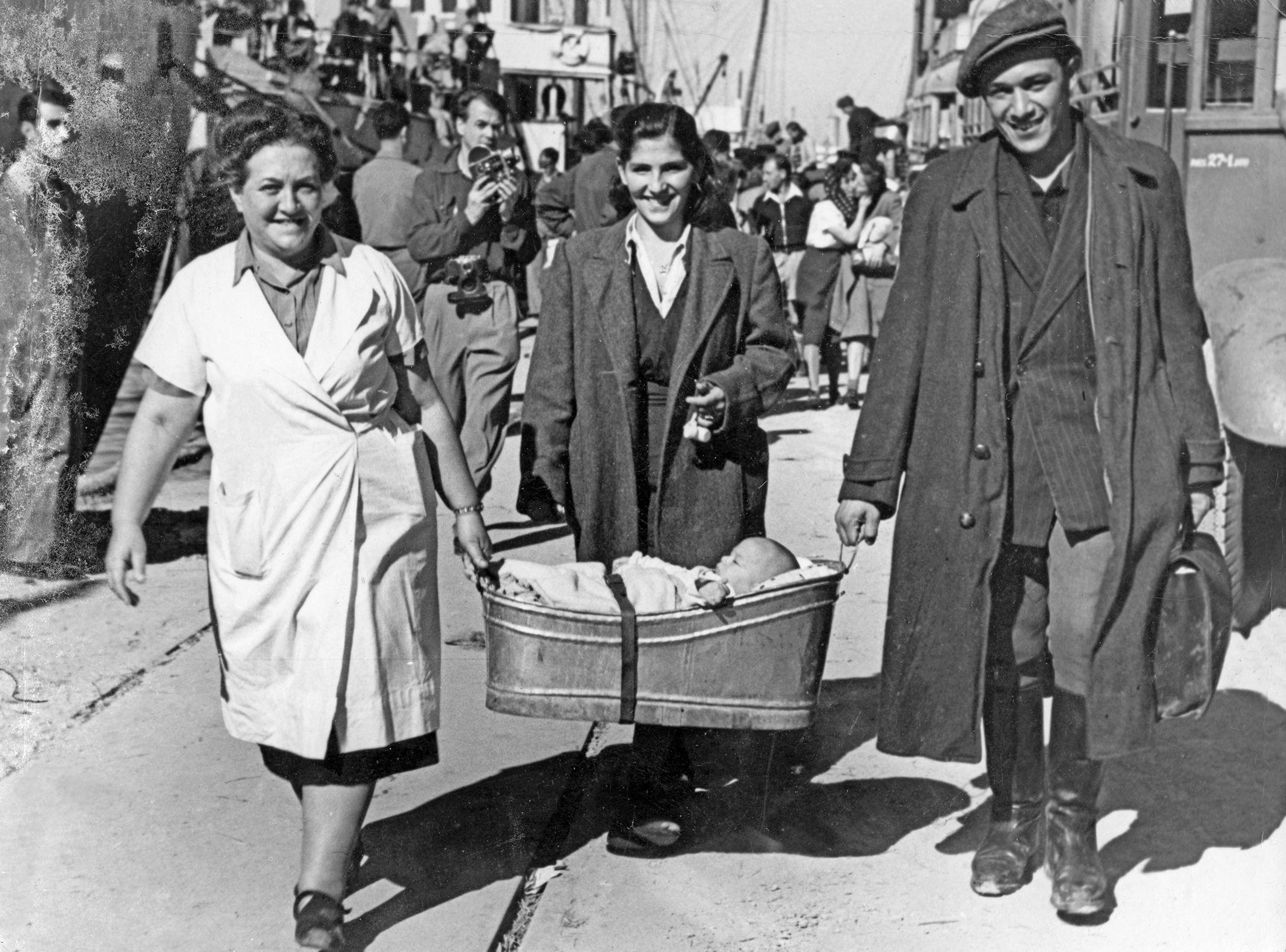 Беженцы прибывшие в Хайфу с Кипра