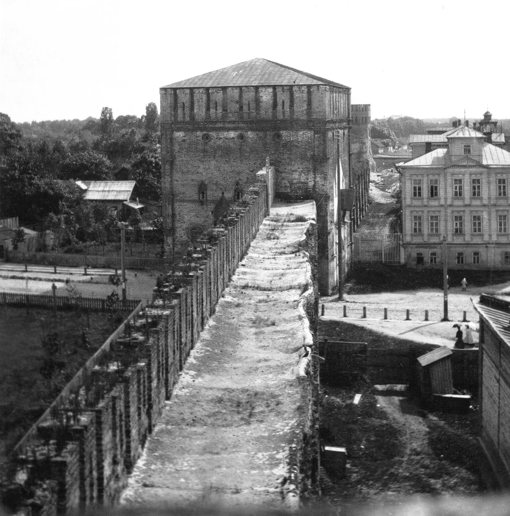 Вид на Никольскую башню и Никольскую улицу. 1907