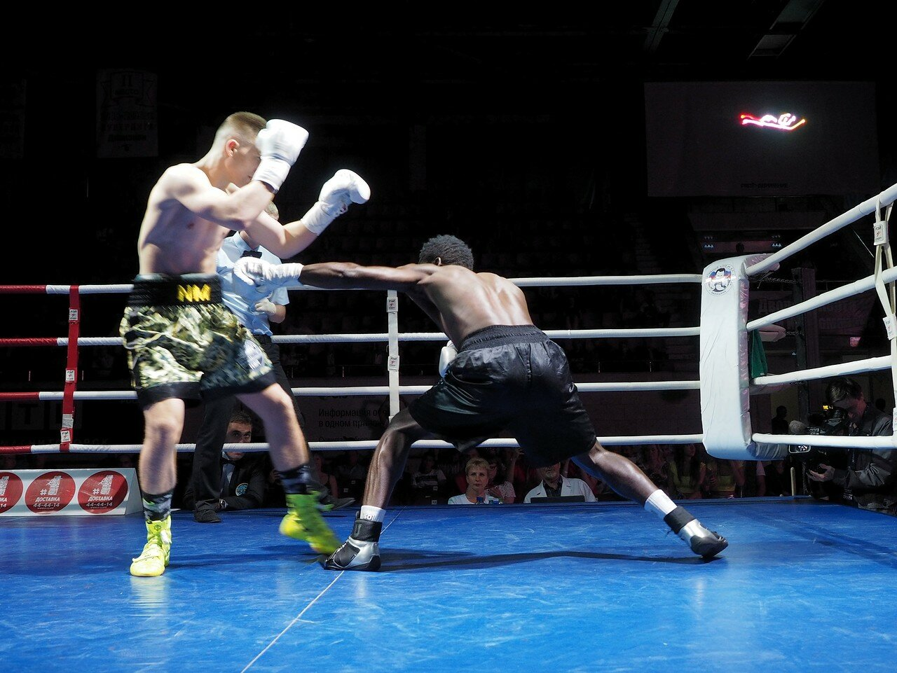 112 Вечер профессионального бокса в Магнитогорске 06.07.2017