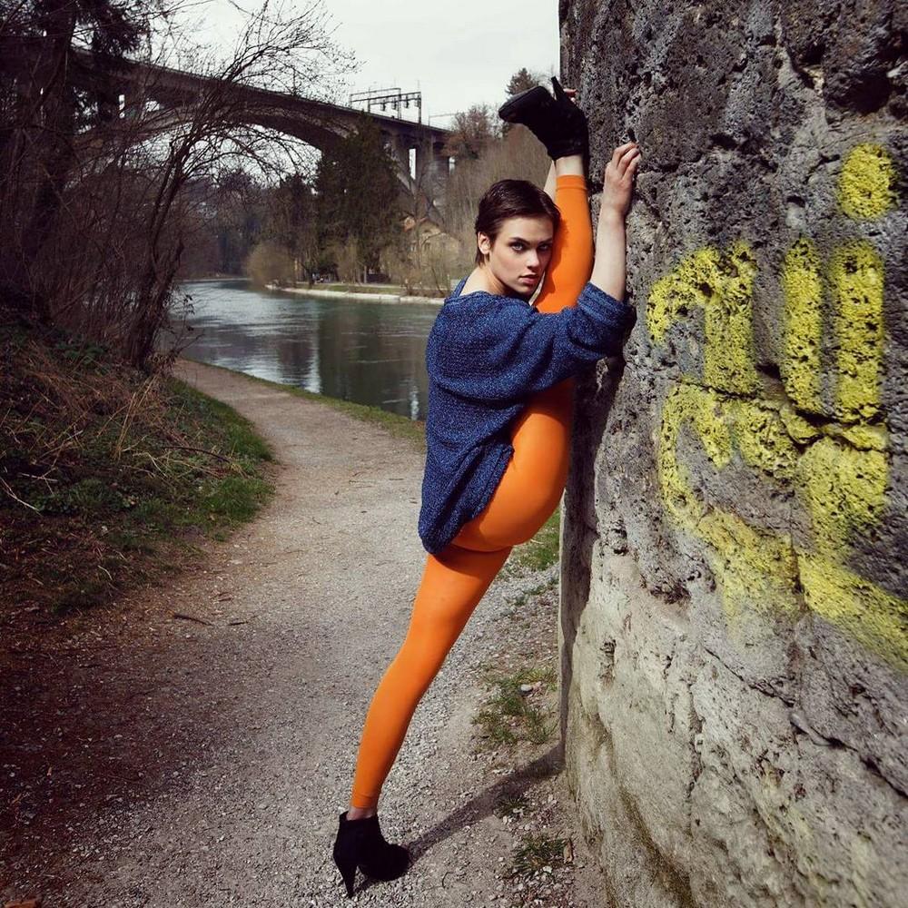 Нина Бурри на снимках из Instagram