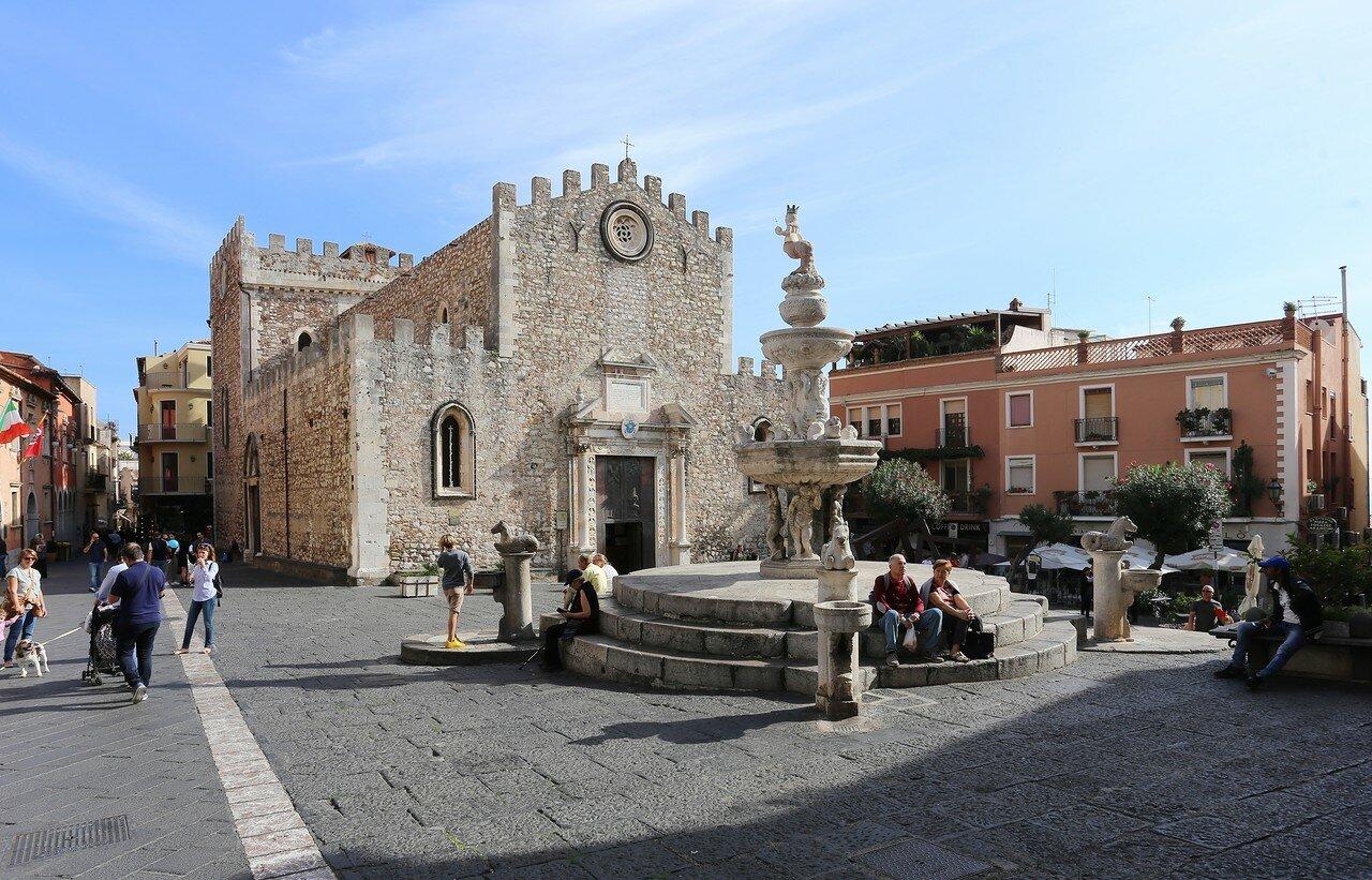 Taormina. Fountain on the Duomo square (Four springs)