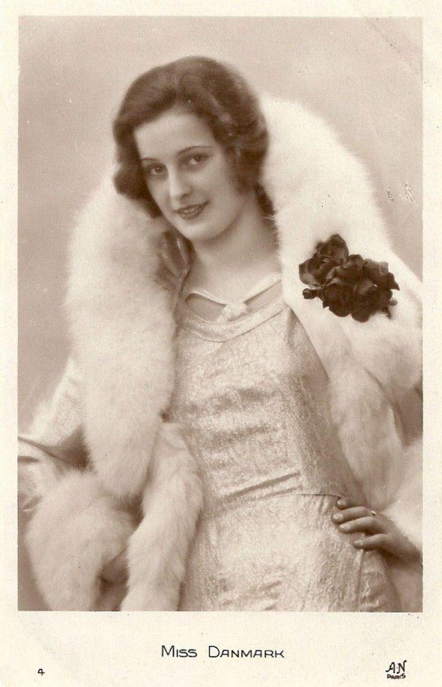 Мисс Румыния Зойка Дона.