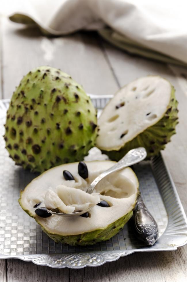 © depositphotos  Вкус этого плода напоминает мороженое , ивзамороженном виде его используют