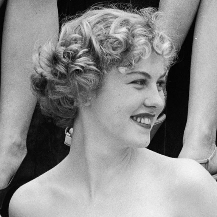 Арми Куусела, Финляндия. «Мисс Вселенная — 1952». 18 лет, рост 165 см.