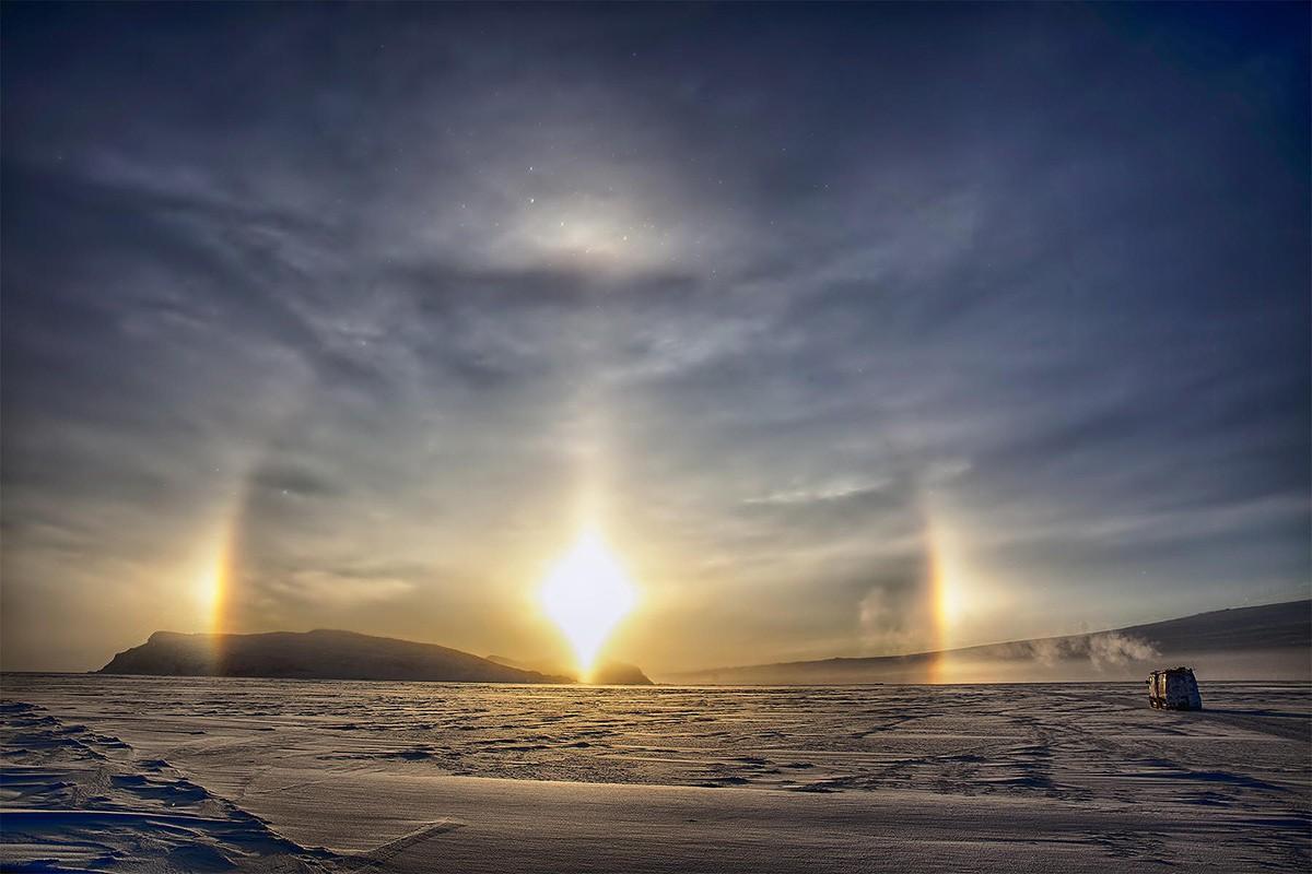 17. Солнечные паргелии… Великолепное зрелище, мистическое и захватывающее.