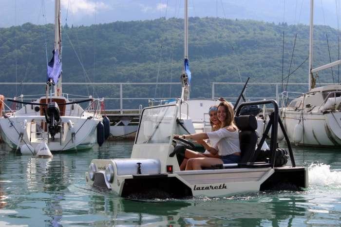 По воде пройдет без проблем. На самом деле, Mini Moke – это вовсе не новый автомобиль , во всяком сл