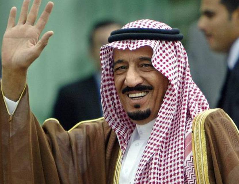 Монарх Саудовской Аравии взял ссобой впутешествие 460 тонн багажа