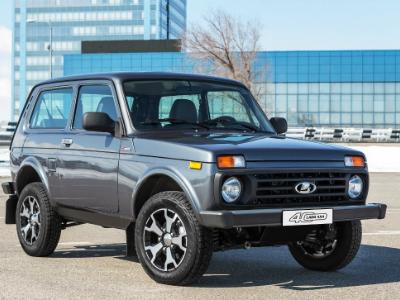 НаАвтоВАЗе началось производство юбилейной Лада 4x4: часть машин покрасят вкамуфляж