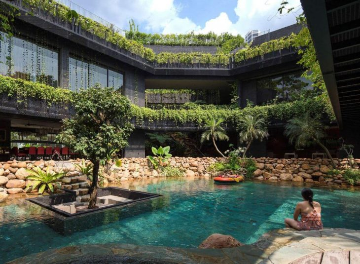 Chang Architects designed this inspiring green house located in Singapore, in 2014. Take a look at t