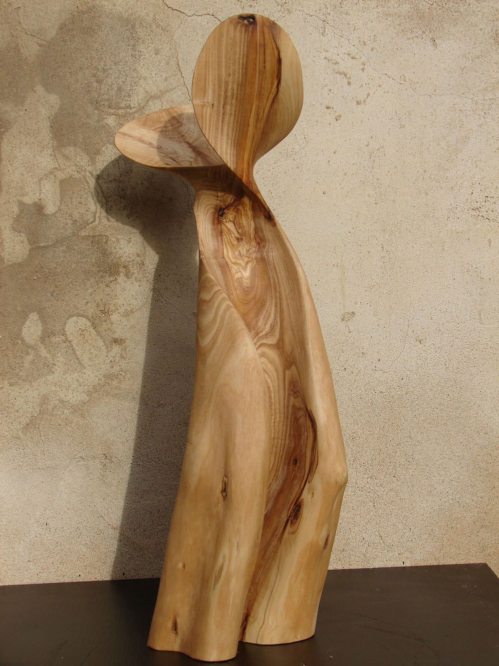 New Twisted Sculptures Carved from Pine Wood by Xavier Puente Vilardell