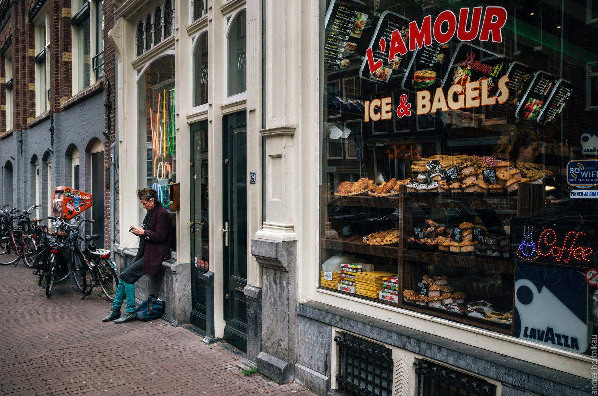 В Нидерландах едят сендвич и багель