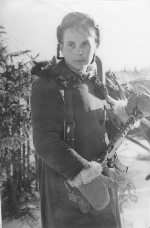 Партизанка Л. Чистова. 44.jpg