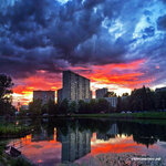 Закат. Солнцевский пруд Инстаграм Солнцево https://www.instagram.com/p/BWRpYrhHuaN/Фото @kostikzmeykovarniy #solntsevo #солнцево #солнцевский