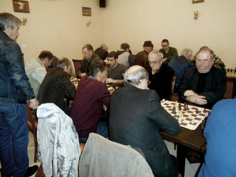 Шахматисты, игра, шахматы ... DSCN1937.JPG