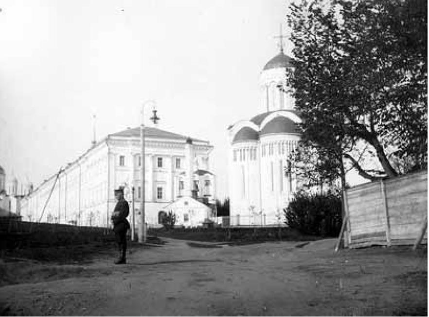 Дмитриевский собор и Присутственные места