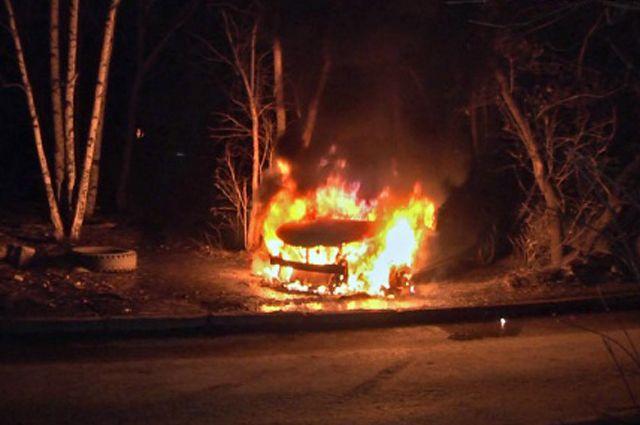ВДимитровграде сгорела сторожка иавтомобиль. Пострадал человек