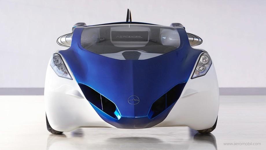 5. AeroMobil 3.0 экономичен: используя обычный бензин, на земле он тратит 8л / 100км, а в небе — 1