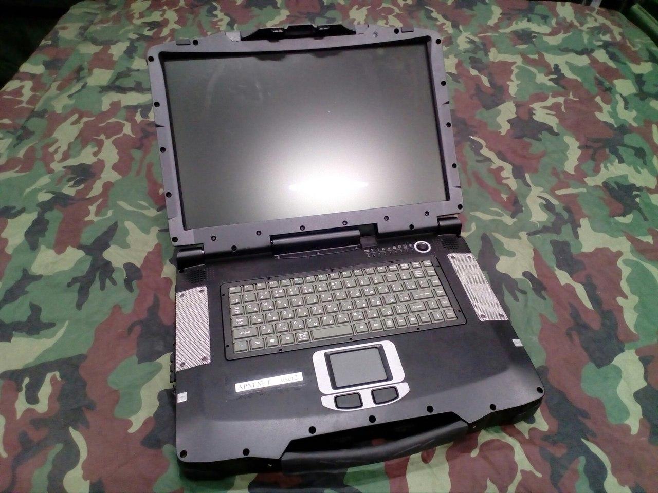 Экстремальный Российский военный ноутбук Strong@Master 7020T EC-1866 (2 фото)